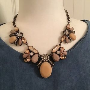 Antique-looking necklace in bronze and browns